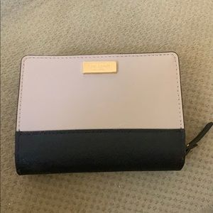 Bifold leather two tone Kate spade wallet gray